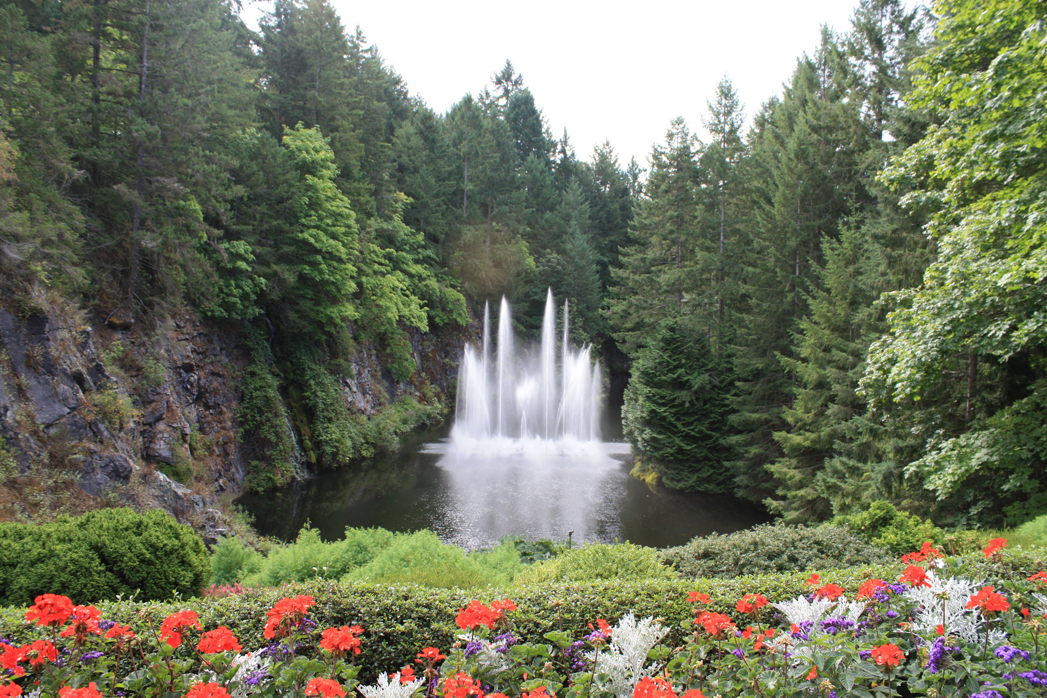 Butchart gardens british columbia 2008 - What time does victoria gardens close ...